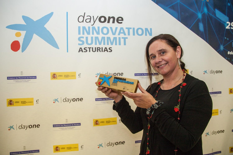 imagen del premio recibido por Marián García, Fundadora de i4life. premio emprendedor XXI asturias